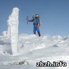 Культура: Турист из Житомира поздравил свой город с вершины Говерлы. ФОТО