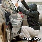 Криминал: Дворник из Житомира угнал новенькую «Mitsubishi» из киевского автосалона