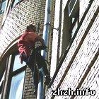 Происшествия: В Житомире мужчина залез по водосточной трубе к студенткам на седьмой этаж