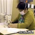 Общество: В Житомире работники общества глухих готовы шить по 2 тыс. повязок в день