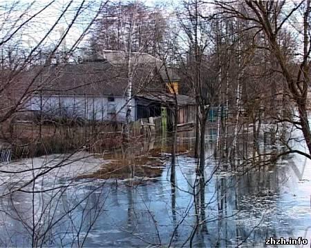 http://img.zhzh.info/_ph/1/2/270272438.jpgПод Коростенем оказались затоплены многие дома и огороды. ФОТО