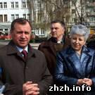 Житомир: Сергей Рыжук разрешил цветочникам торговать на улице Московской до 9 мая