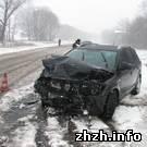 Происшествия: Из-за гололеда житель Киева не смог вовремя остановить машину и столкнулся с «девяткой»
