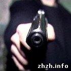 Криминал: Неизвестный мужчина расстрелял на улице Бердичева 25-летнего парня. ФОТО