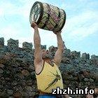 Спорт: В Житомирской области установили новый рекорд по поднятию бочки с пивом. ФОТО