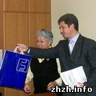 Общество: Молодые семьи получили новые квартиры в Житомире. ФОТО