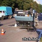 Происшествия: В Житомире в результате аварии «Газель» перевернуло на крышу. ФОТО