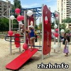 Житомир: Детская площадка в Житомире едва не превратилась в стоянку для машин