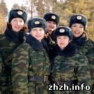В пгт Озерное женщины-военнослужащие проходят обучение в школе сержантов
