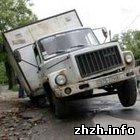 Житомир: Журналисты обозначили самые крупные ямы и выбоины на дорогах Житомира. ФОТО