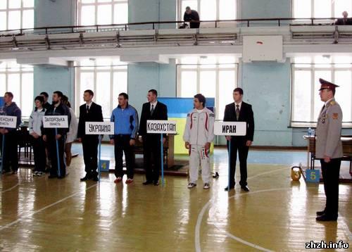 Кубок Украины по гиревому спорту выиграли спортсмены из Житомира