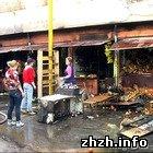 В Житомире сгорели торговые ряды на Житнем рынке. ФОТО