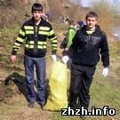 Общество: 350 студентов убрали от мусора берег реки Случь в Новограде-Волынском. ФОТО