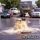 У центрі Житомира прорвало каналізаційну трубу. ФОТО