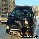 В Житомире столкнулись микроавтобусы, перекрыв движение трамваев. ФОТО