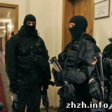 Бойцы спецподразделения Альфа захватили Нафтогаз Украины.