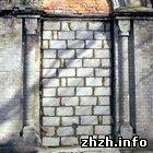 Территорию Русского кладбища после вандалов приводят в порядок. ФОТО