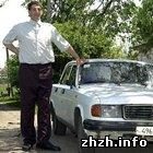 Общество: Житомирскому великану Леониду Стаднику передали ботинки 58-го размера. ФОТО