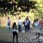 Житомир: Активные жители Житомира убрали городской парк от мусора. ФОТО
