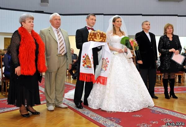 Пышные или облегающие: какие фасоны свадебных платьев актуальны в 2018 году
